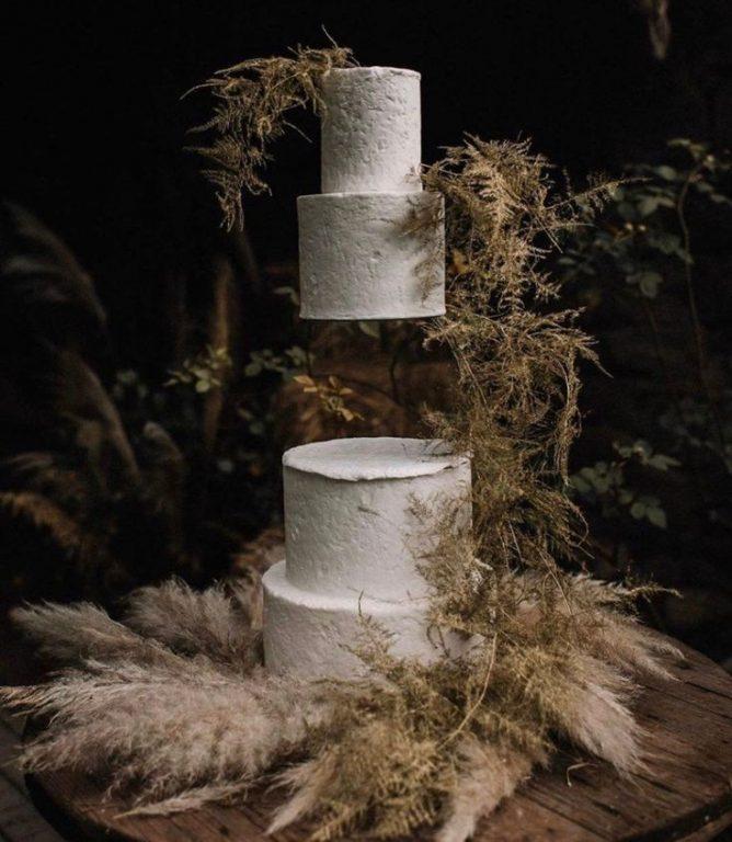 wedding cake fluttuante